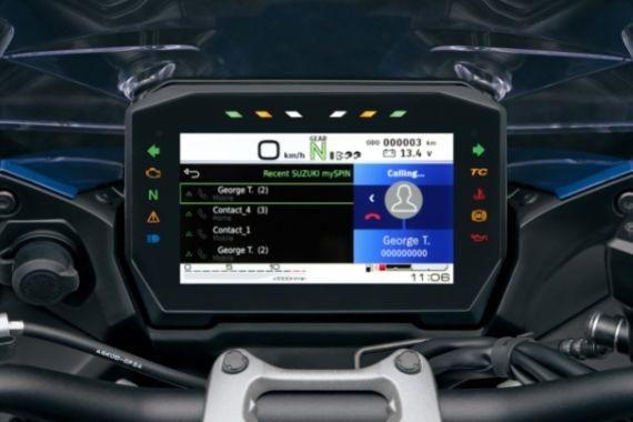 GSX-S1000GT_M2_RearCombination