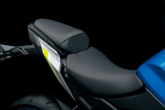 GSX-S1000_M2_Seat