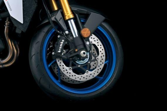 GSX-S1000_M2_Tire_Wheel